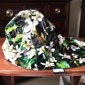 Dolce and gabbana rain hat